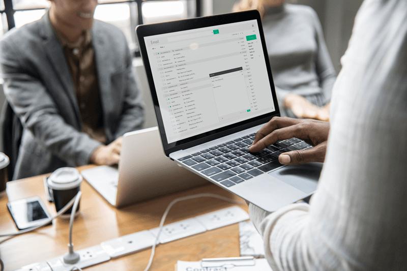 Como enviar nota fiscal eletrônica por e-mail para o cliente: mais produtividade e menos custos